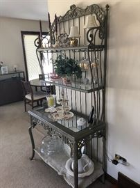 Wrought iron bakers' rack, green tone
