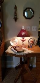 ANTIQUE VICTORIAN TABLE  --  LAMP