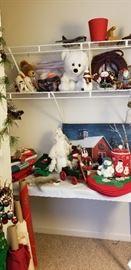 CHRISTMAS DECOR    -  CHRISTMAS LINENS  --  CHRISTMAS PICTURES