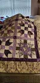 ANOTHER PRETTY HANDMADE  QUILT