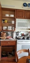 LOTS OF CORRELLE  CASSEROLE DISHES  --  PANS