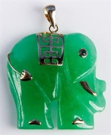 Lot 125 - Jewelry 14kt Yellow Gold Elephant Jade Pendant