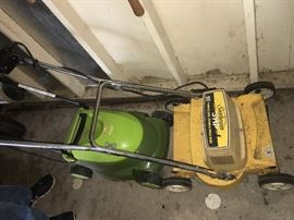 """Sunbeam 3 hp electric mower, 18"""" cut"""