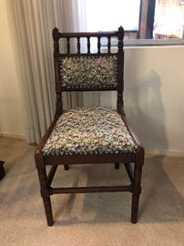 TAPESTRY FABRIC CHAIR
