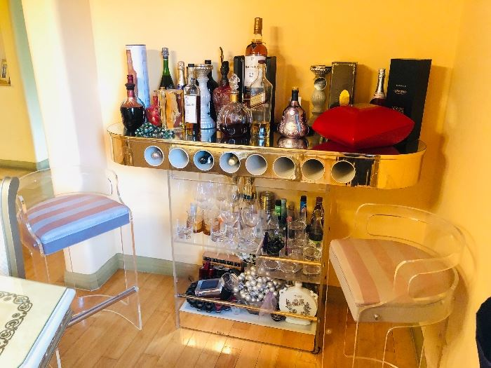 Lucite Bar Table with 2 Chairs