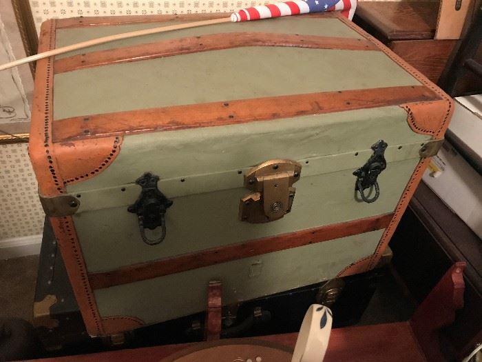 Vintage Steamer Trunk $ 112.00
