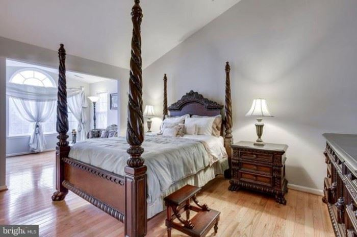 Mahogany 4-poster bed, two matching nightstands with marble tops