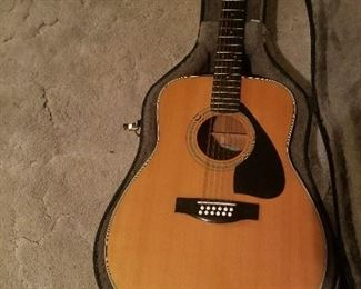 Yamaha FG-420-12 Beautiful Condition $135
