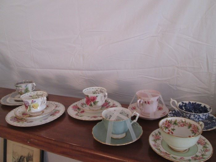 Names like Aynsley, Hammersley, Tuscan, and Royal Albert.  Several have Dessert Plates, too!