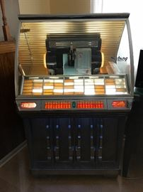 Seeburg HF 100R jukebox