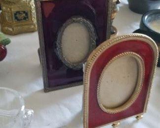 Enameled frames