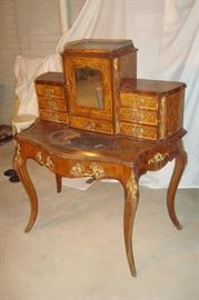 Different view Ladies writing desk.