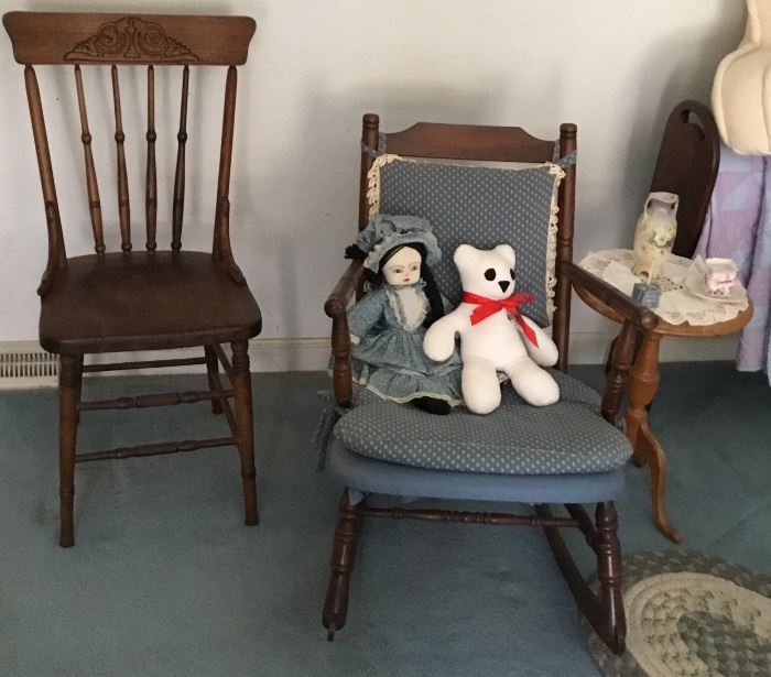 VINTAGE/ANTIQUE CHAIRS, SIDE TABLE