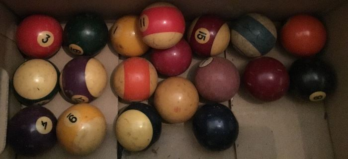 VINTAGE POOL TABLE BALLS