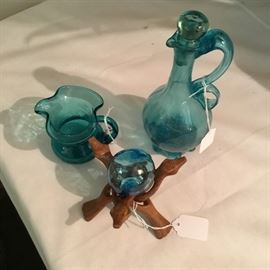 VINTAGE TURQUOISE GLASS
