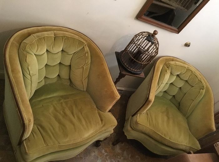 GREEN VELVET HICKORY CHAIR COMPANY BARREL CHAIRS (2)