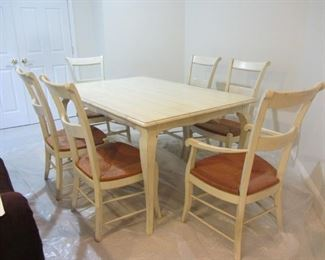 HICKORY WHITE DISTRESSED  DINING SET WITH 6 CHAIRS AND 2 LEAVES