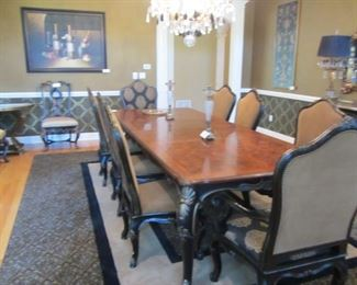 MAGNIFICENT DINING ROOM! 8 CHAIRS AND 2 LEAVES!