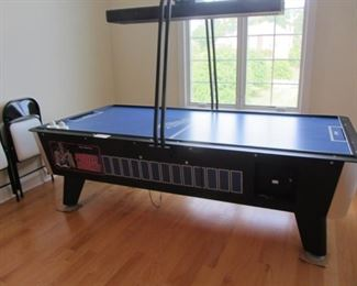GREAT AMERICAN 8' COMMERCIAL POWER AIR HOCKEY TABLE W/ OVERHEAD SCOREBOARD $4210 IS RETAIL ON SALE!  OUR PRICE IS A FRACTION!