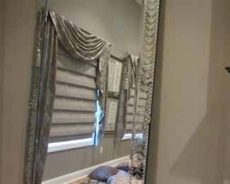 FANTASTIC VENETIAN MIRROR!! RETAIL WAS $$$$. OUR PRICE IS MUCH LESS!