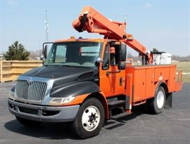 2008 International 4100 Bucket Truck, Cherry Picker, V8, 6.4L, Hydraulic Brakes, No CDL Required, 43 Working Hours on PTO and Boom, 19,200 lb under CDL Requirements, 2 Yr Old Rebuilt Engine w Approx 33,000 Miles, VIN# 3HTMWSKK98N658934