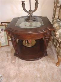 There's two of these beautiful end tables!
