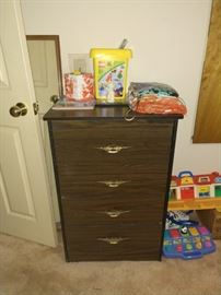 Cute little drawers would be great closet storage