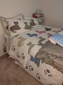 2 kitty comforters with 4 shams!