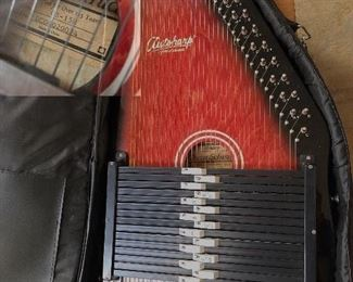 Autoharp by Oscar Schmidt with case and accessories!