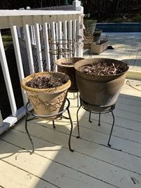 Miscellaneous flower pots and stands
