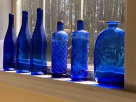 Love these blue bottles!