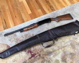 Winchester model 1300, 12 gauge, Deer slug , with case