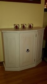 Foyer cabinet  Good Condition  $25