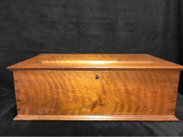 H010 Vintage Wood Letter Box