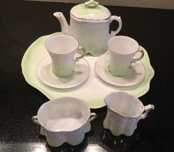 Victorian Child's Tea Set