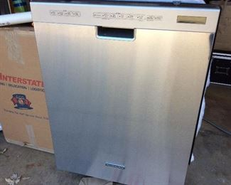 Kitchenaid dishwasher never been used purchased for $900. Selling for $300