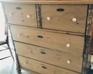 Dresser, Pine