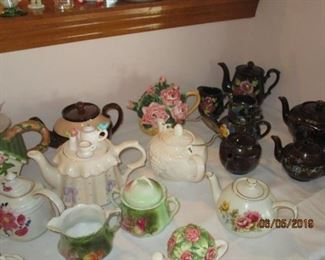 TEAPOTS (OLD AND NEW)