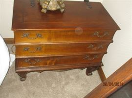 Vintage chest with top that opens