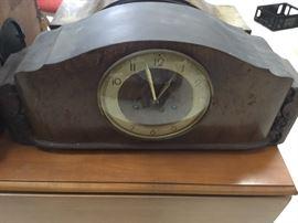 Antique mantle clock - works