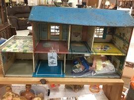 Marx dollhouse w/furniture