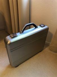 Matias Armor Laptop Sliver Briefcase 12 x 16