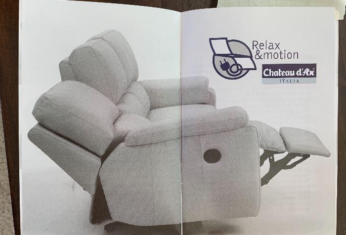 Chateau d'Ax Italian Leather Recliner/Sofa/Loveseat38x88x44inHxWxD