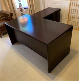 Mahogany L-shape Executive desk60x30 deep 41x21 deep 28.25 tall HxWxD
