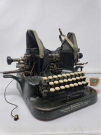 Oliver Typewriter No. 5 Standard Visible Writer - 1909 - Rare Antique made in Chicago USA