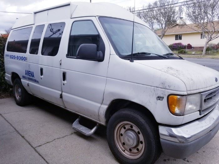 Ford 2000 V-8 578,000 miles Runs great - NO PROBLEMS  Has non-op Tags PAID up to date