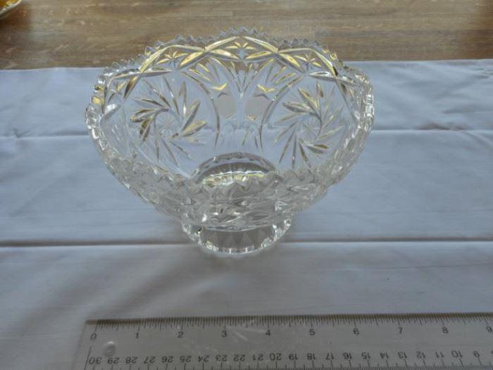 """Vintage footed crystal bowl - starburst design - 6 1/4"""" dia https://ctbids.com/#!/description/share/132647"""