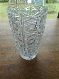 """Large lead crystal 9"""" vase with star pattern https://ctbids.com/#!/description/share/132501"""