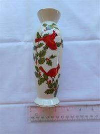 Vintage Lefton china Cardinal & Holly Vase #4544 https://ctbids.com/#!/description/share/133140