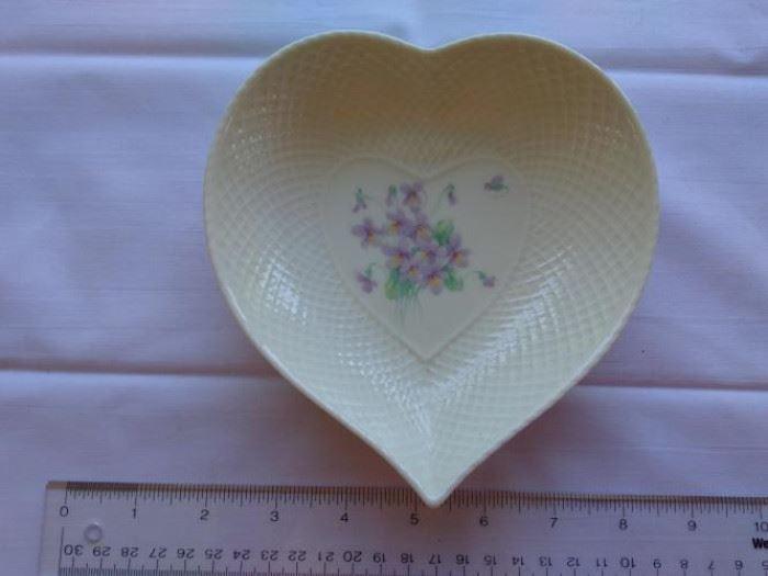 Vintae Mikasa Lila heart shaped dish https://ctbids.com/#!/description/share/132502
